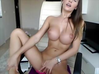Perfect Brunnette Big Tits Masturbates On Cam