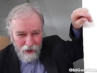 Old Goes Young Old Man Knows How To Eat Pussy