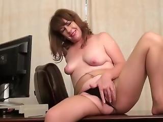 Olderwomanfun Tracy 01