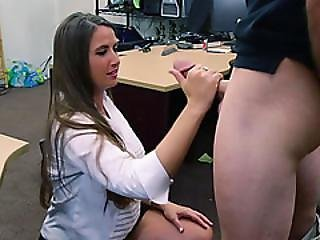 Shoplyfter troublemaking teen fucks to not go to jail