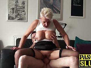 bdsm, bondage, dławi się, sperma, ruchanie, napalona, milf, zdzira, klaps, kobiecy wytrysk