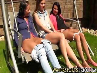 Classy Lesbo Group Piss