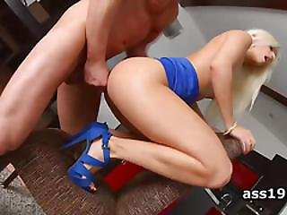 Anal Queen Jessie Volt Choked While Ass Smashed