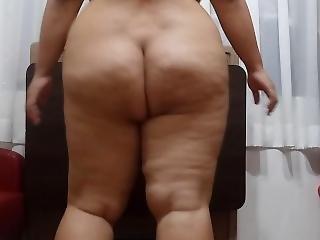 Bbw Pose 3