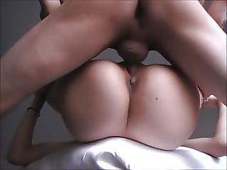 Ameteur Big Ass Gets Nice Creampie In Her Tight Pussy