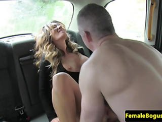 Cockdeprived Cabbie Babe Gets Pleasured