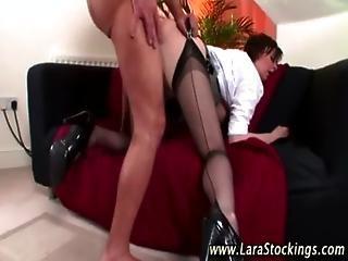 Amateur mature brit in stockings