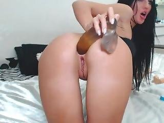 Beautiful Bitch Likes To Play With Holes And Fuck Them With Toys