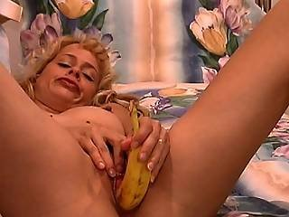 Blond Bitch Fucks Her Pussy With A Banana