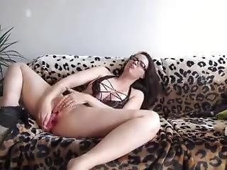 Ama De Casa Se Graba En El Sofa Www.xsh.es
