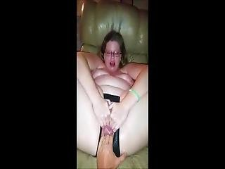 Chubby Girl Get Fisted Till Squirt