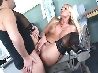 Boazuda, Grandes Mamas, Preta, Meias Pretas, Loira, Peituda, Hardcore, Saltos, Saltos Altos, Estrela Porno, Sexo, Meias