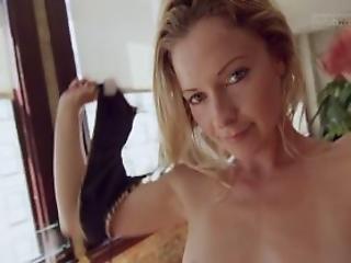 Body Shaking Orgasm For Yoga Cutie