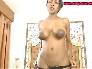 African excite young mother in her pussy