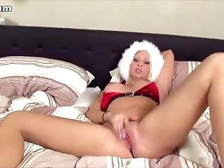 Girl Masturbates In Fur Hat