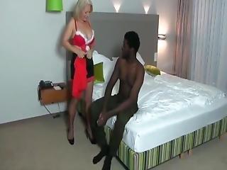 Shameless Mature Milf Enjoying Amazing Anal Sex With Bbc