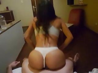 Megy nyugatra meleg pornó