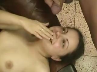 Svetlana Kalashnikova . Pisse Schlucken