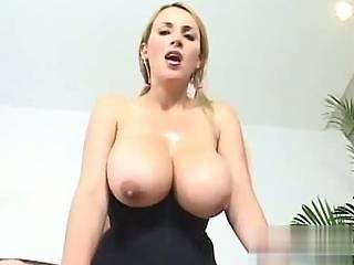 stora naturliga bröst avsugning video