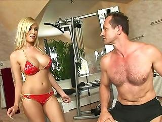 Anal Workout With Donna