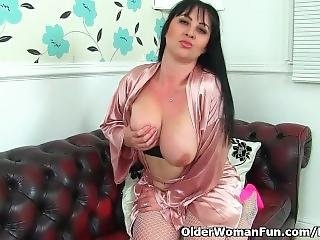 British Milf Amber Leigh Toys Her Creamy Cunt