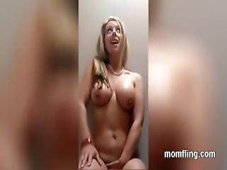 amateur, badkamer, dikke tiet, blonde, thuis, thuis gemaakt, masturbatie, mam, sexy, solo, vrouw