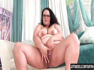 Big Boobed Btw Jessica Lust Uses Sex Toys