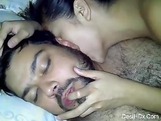 Arab Guy Fucking Her Asian Girl Friend With Clear Face Desihdx _ D