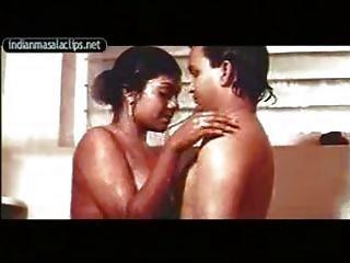 Mallu Aunty indira in shower