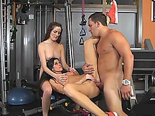 Big Juggs Milf And Teen Babe Shared A Cock In The Gym