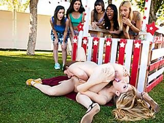 Blonde Babe Licked By Lesbian Neighbor In Her Kissing Booth