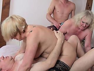 Nuori oikeudellinen anaali porno