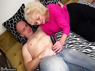 suihku orgasmi seksi mummo