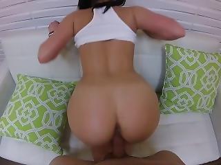 Russian Teen With Juicy Ass Gets Enjoys Nice Cock