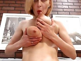 Hot Sexy Milky Milf Tits - Watch Part2 On Suzcam.com
