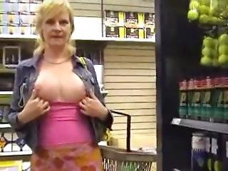 Milf Flashing And Play At The Store