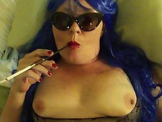 Mommy Is Smoking With A Holder In A Hotel Room.... Bad Mommy