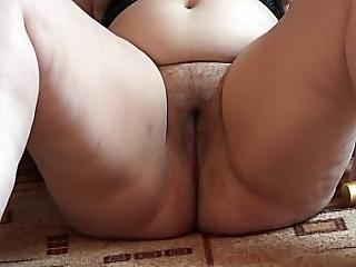 A Fat Girl Masturbates Her Hairy Pussy Dildo