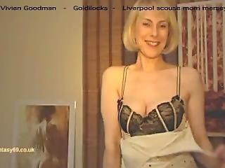 Vivien Goodman - Goldilocks - British Liverpool Mom