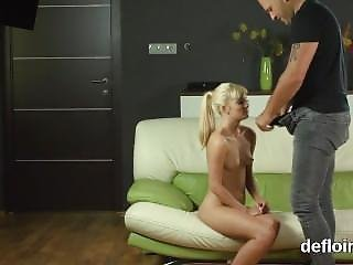 Virginity Loss Of Sensual Teen Wet Slit And Finger Fucking