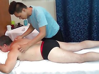 Filipino Twink Masseur Anal Drilled By Dad