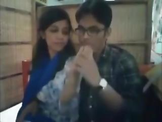 Bangladeshi Boyfriend And Girlfriend In Restaurant2-full On Hotcamgirls.in