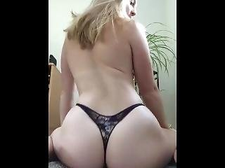 Loves Showing Off That Amazing Ass