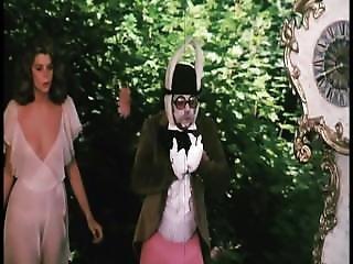 Trailer Alice In Wonderland 1976