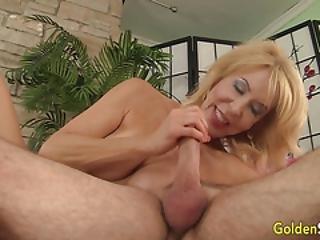 blond, blowjob, cowjente, sperm, sperm i munn, cumshot, bestemor, hardcore, slikk, voksent, gammel, fitte, fitte slikking, sex, hore, vaginal