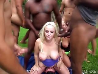 Cock pumps work