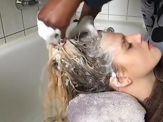 Relaxing Hair Wash Massage