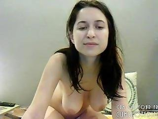 Busty Camgirl Showing Her Great Body
