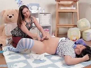 japán leszbikusok pisilés