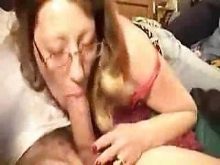 Hot Milf Gives Some Very Nice Deepthroat And Gets A Big Mouthful